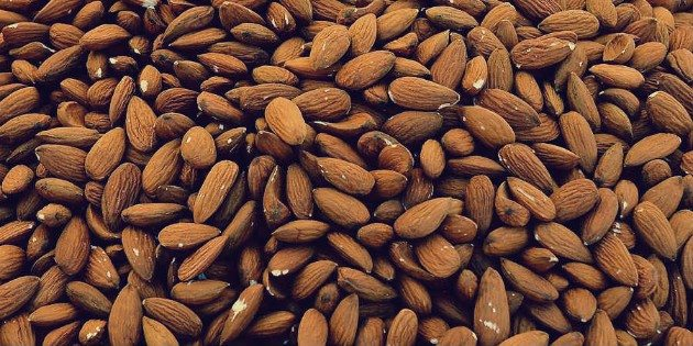 Almonds on keto
