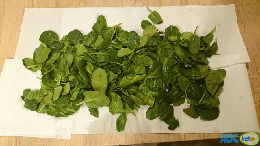 how to remove pesticides from vegetables, drying vegetables on paper towel