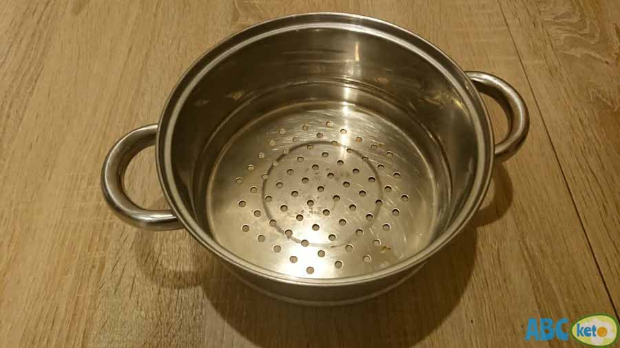 How to remove pesticides from vegetables, strainer, colander