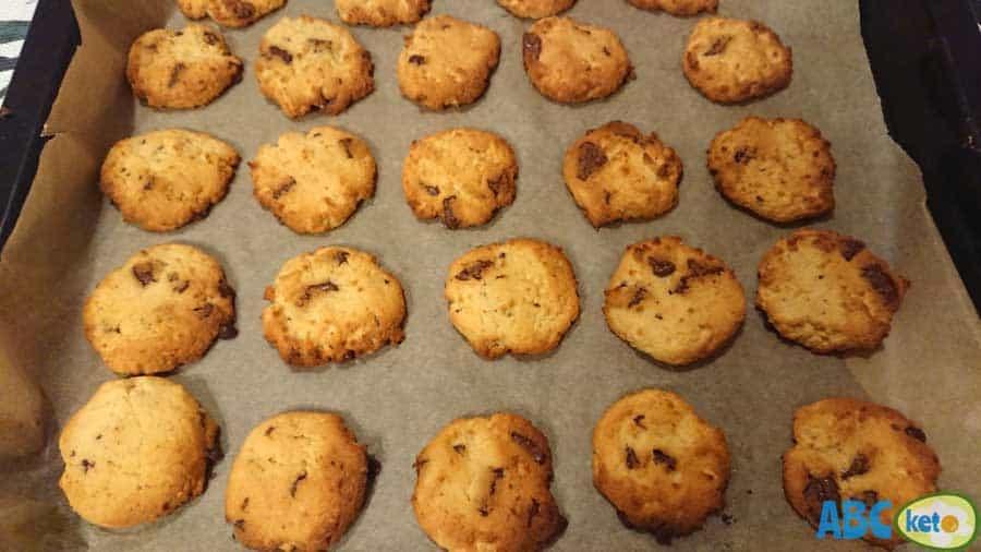 Baked keto peanut butter cookies, peanut butter cookies on baking sheet