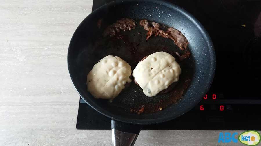 keto burger, keto burger recipe, beef patties with cheese on frying pan