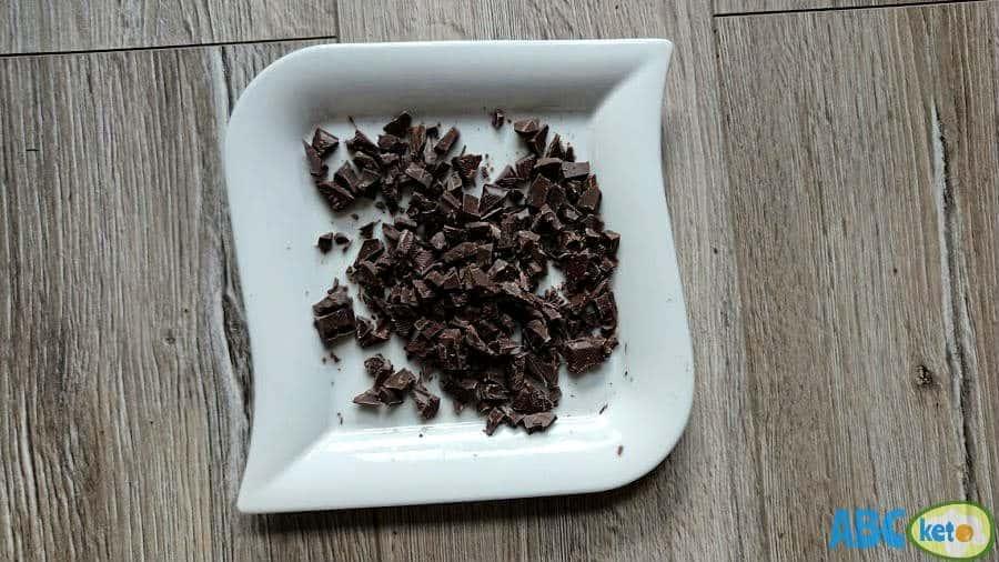 Keto chocolate cheesecake recipe, filling, chocolate crumbs
