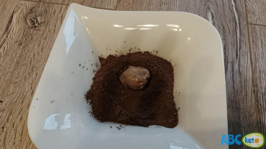 Keto peanut butter balls recipe, adding cocoa powder