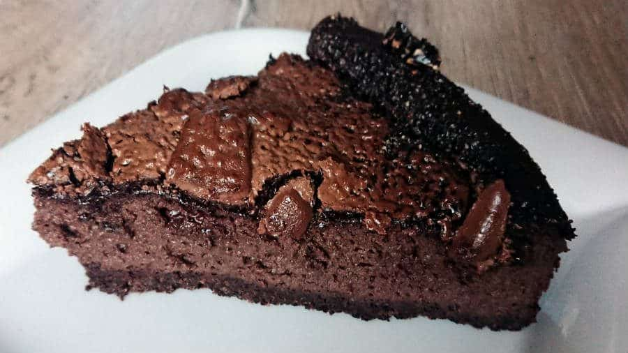 Keto chocolate cheesecake